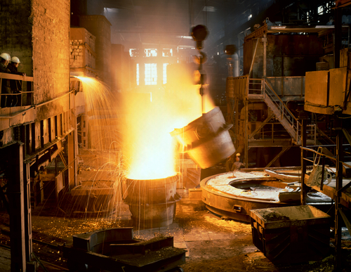 iron casting in a foundry