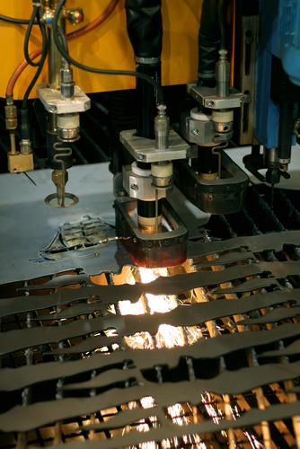 laser cutting steel and aluminum