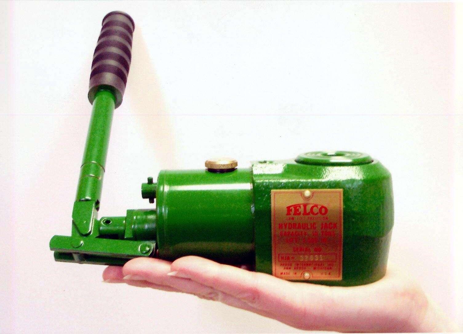 Hydraulic Lifting Equipment: lifting jacks, bags, wedges Enerpac