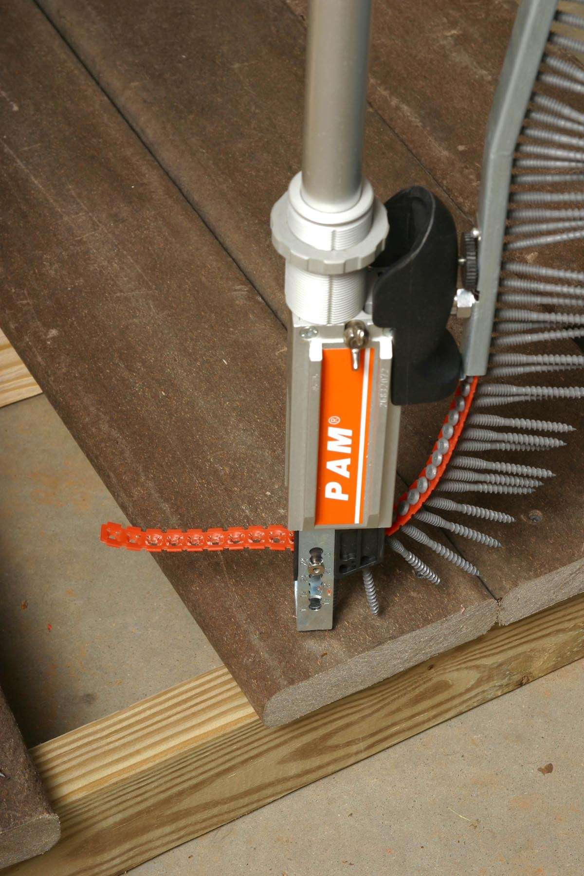 New Collated Deck Screws For Fast Installation Of