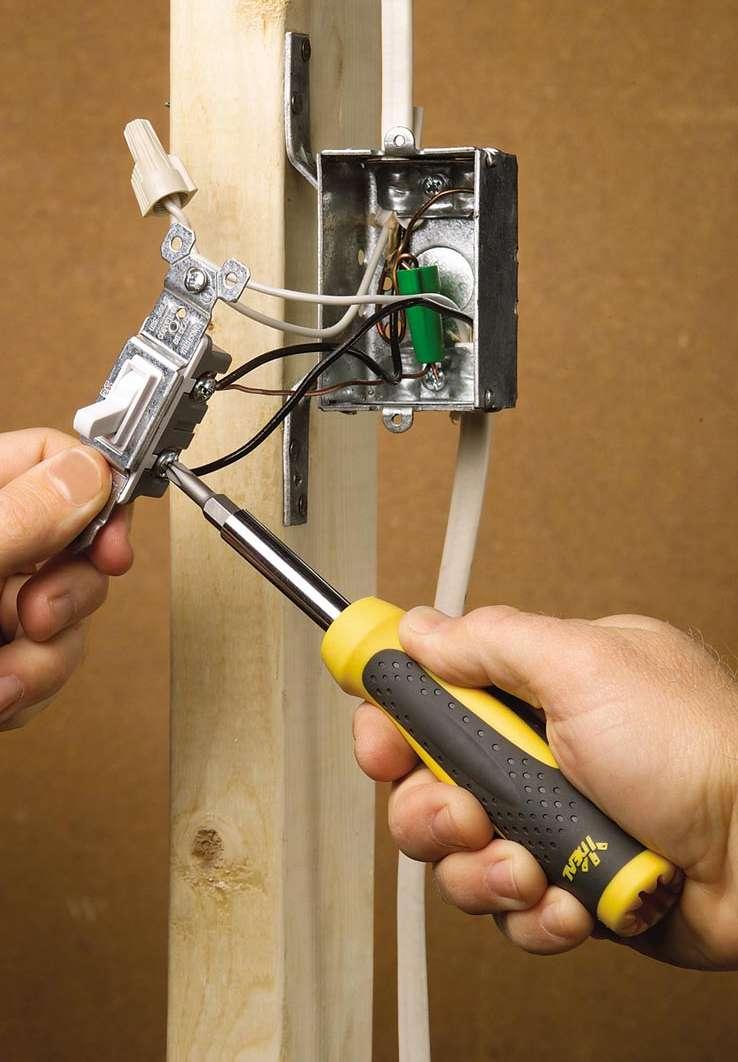 Электрика.  Если в доме плохая электропроводка, то это влечет за собой вероятность...