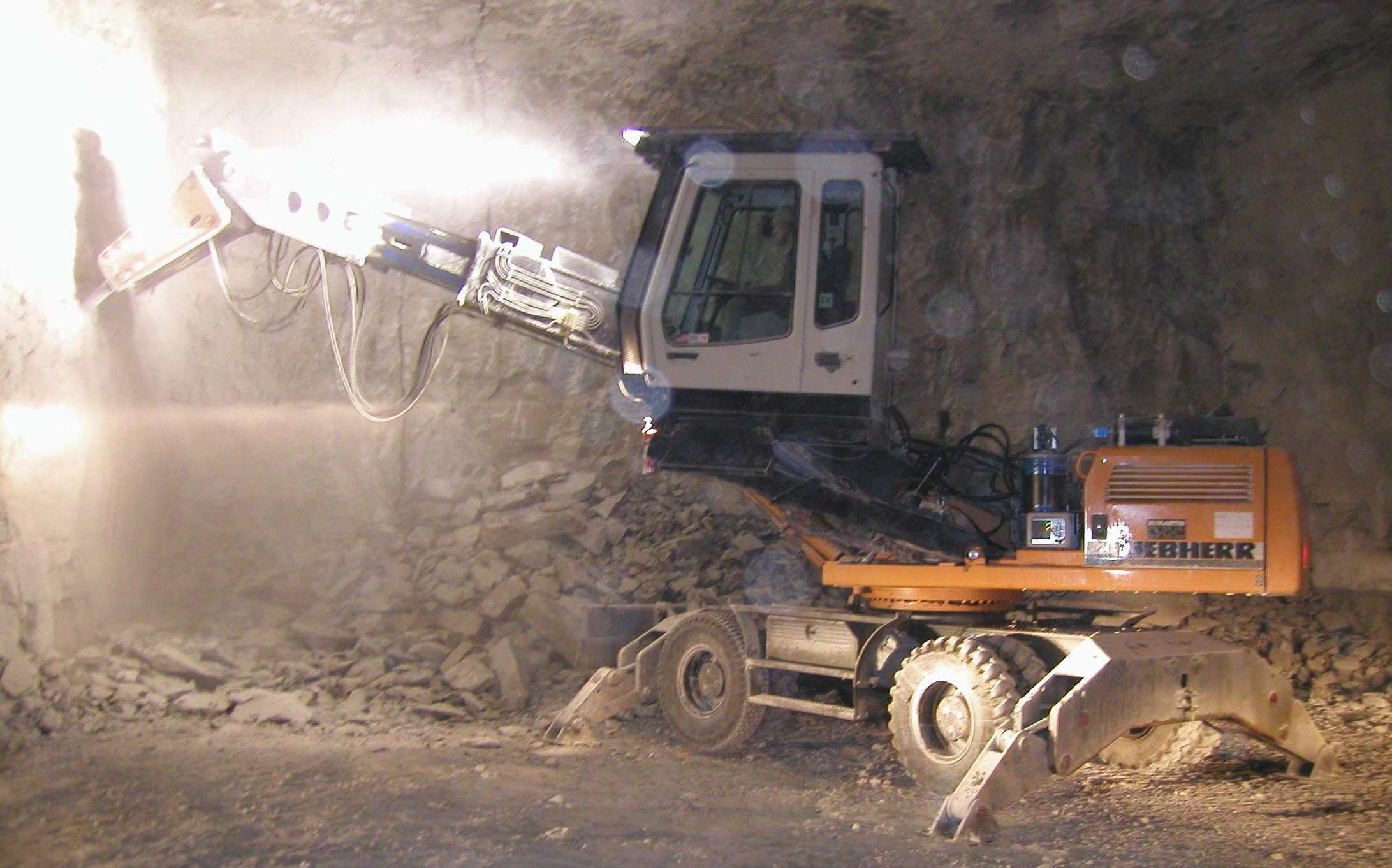 PWCE is Proud to Introduce to the Mining Industry, the PWCE Scaler Underground Mining Tools