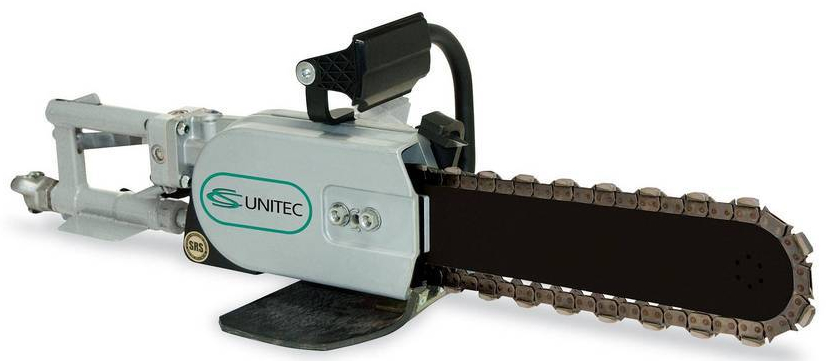 Powergrit chain saw cuts underground pipe and minimizes
