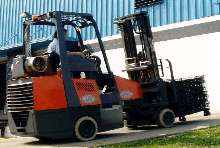 Lift Truck is suitable for indoor/outdoor use.