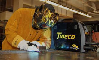 Auto-Darkening Welding Helmet features 4-sensor design.
