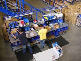 Modular Shipping Workstation offers configuration flexibility.