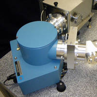 Vacuum UV Spectrometer offers choice of diffraction gratings.