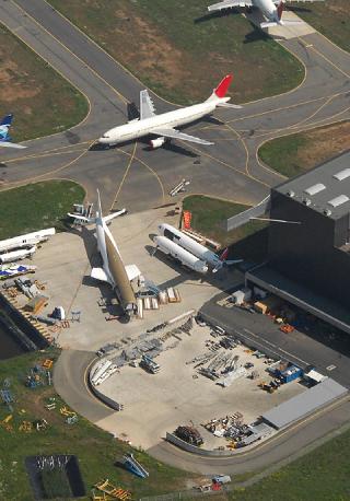 Aircraft recycling yard. Courtesy of Tarmac Aerosave.