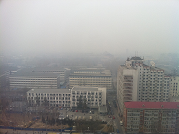 Smog in Beijing. Credit: bfishadow, CC BY 2.0.