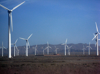 Wind farm in Xinjiang, China. Source: Wikimedia Commons, CC BY 2.0.