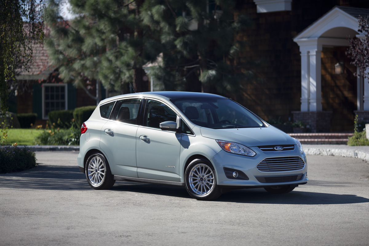 Consumers claim the Ford C-MAX Hybrid is not capable of the advertised 47 mpg. Credit: Ford.
