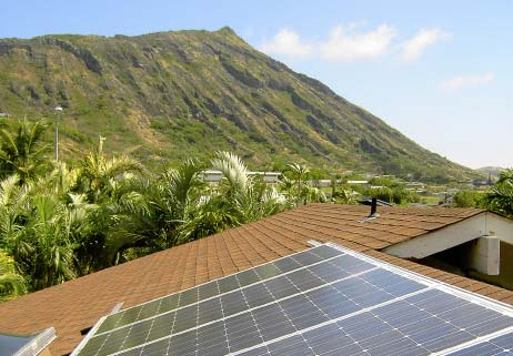 Rooftop solar panels are a common sight in the Hawaiian Islands. Image from mauisolarproject.org.