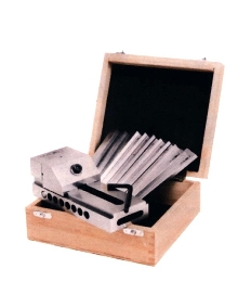 Machine Tool Accessory Kits come packaged in wooden case.