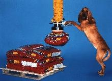 Vacuum Lifter handles large bags.