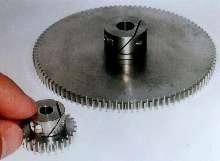Spur Gears offer Fairloc® hub fastening system.