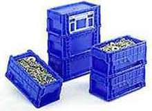 Container stores/transports auto industry fasteners.