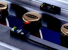 Miniature Sensors offer 1.0 m sensing range.
