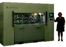 Vibration Welder handles large, thermoplastic parts.