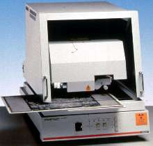 Spectrometer analyzes elements and measures thickness.