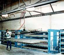 Full Extension Shelving is equipped with vacuum lift.