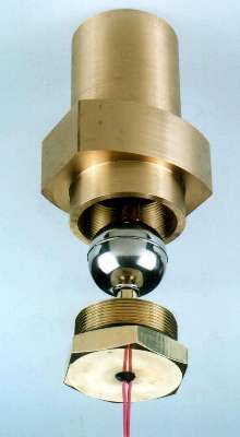 Level Switch provides machined, high pressure, bottle housing.