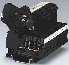 Terminal Blocks accept three types of fuses.