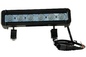 LED Light Bar produces 1,368 lm of bright white light.
