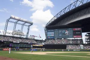 Seattle Mariners Debuts Fujinon HD Imagery on Big Board at Safeco