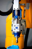 Robot Machining Cell universally adjusts to different tasks.