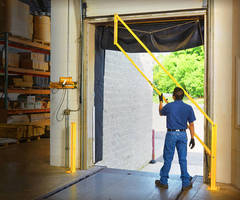 Safety Gate provides loading dock fall protection.