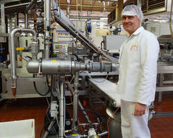 Mondelez International Reduces Caramel Product Waste by 20% with the Installation of a Self-Cleaning Russell Eco Filter®