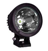 LED Light provides 2,500 ft spot beam.