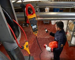 Datalogging/Trending Clamp Meter helps find intermittent faults.