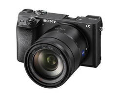 Mirrorless Camera features 425 phase detection AF points.