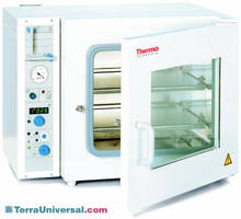 Vacutherm Vacuum Ovens features analog display.
