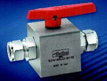 Ball Valve features quick-on, quick-off control.