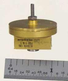Pressure Regulator controls outlet pressures of 1/2 psig.