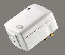 Plug-In Receiver controls household appliances.