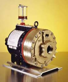 Positive Displacement Pumps feature oil level monitor.
