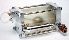 Liquid Drainer is pneumatically operated.
