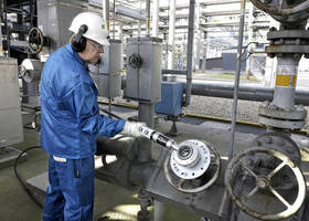 Portable Valve Actuator from Netherlocks Takes the Strain Out of Manual Valve Operation