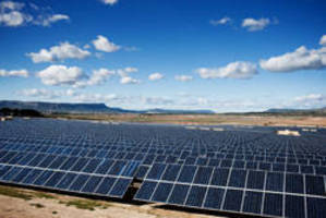 DuPont(TM) Solamet® Helps REC Increase Solar Panel Power Performance