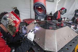 "Lincoln Electric Equipment and Welders Featured in New ""BattleBots"" Series"