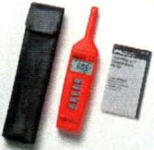 Meter measures temperature and relative humidity.