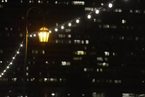 MaxLite illuminates Oakland landmark Necklace of Lights
