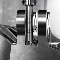 CoroMill 390 Silent Tool provides light-cutting insert geometries.