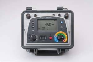 DLRO10HDX Ohmmeters come with backlit LCD display.
