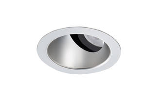 Upper Reflector offers glare-free balanced illumination.