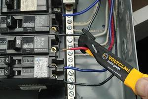 Voltclaw Multi-Gauge Tool is non-conductive to 1000V.