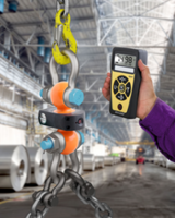 Anyload® Dual-Shackle Dynamometers come with wireless remote indicator.